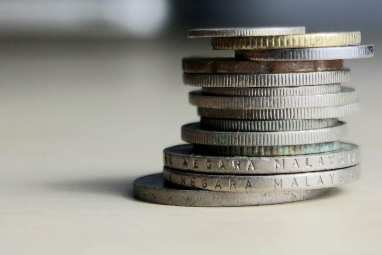 Какие монеты принимает ломбард? Порядок сдачи и подводные камни